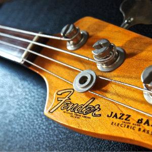 【ベース】フェンダー フレットレス ジャコ・パストリアスモデル (Jaco Pastorius Jazz Bass FL 3color Sunburst)持ってる【写真あり】