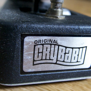【ギターエフェクター】クライベイビー(JIM DUNLOP CRYBABY GCB-95 WAH WAH) 持ってる