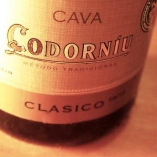 【ワイン】ちょっと甘めのカバ、コドーニュ・クラシコ・セコ(Cava Codorniu Clasico Seco) 飲んだ