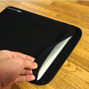 薄くて柔らかいMac Book Air用プロテクトスーツ(11.6インチワイド) IN-MAC11BK レビュー