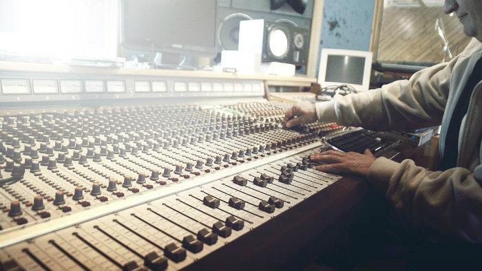 sound-studio700