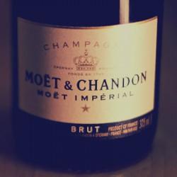 トップクラスの知名度を誇る定番シャンパン「モエ・エ・シャンドン」がおいしいし絵になりすぎたのでおすすめ