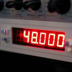 直接音が通らない機材、クロックジェネレーターで音が変わるのかどうかわからなかったので買ってみた!→変わらなかった。