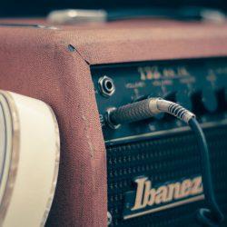 プロとして音楽の仕事をしたいなら専門学校には入るべきではない