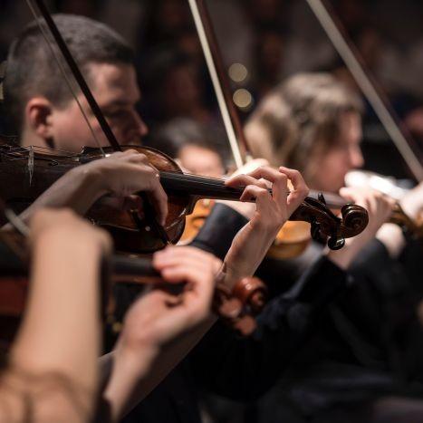 クラシックとポップスのリズムの違いについて。クラシックはテンポを変えてグルーヴを出す。