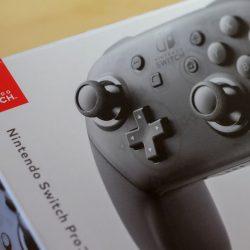 白い粉の噂は嘘。Nintendo Switchのプロコントローラーを3回壊してわかったこと。